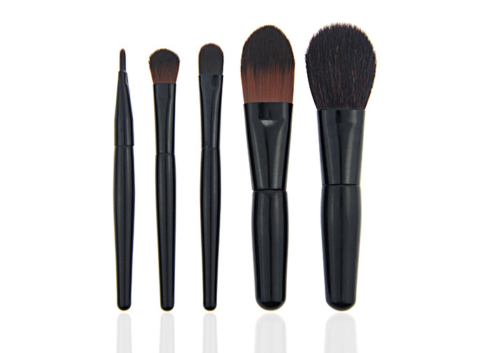 Puleather Bag Including Travel Makeup Brush Set With Black Handle